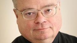 """Ks. Artur Stopka o okładkach """"Newsweeka"""" i """"Angory"""" oraz o tym, że Kościołowi w Polsce brakuje dalekosiężnej strategii budowania swojego wizerunku w mediach katolickich, kościelnych, jak i świeckich - miniaturka"""