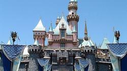 Zmasowana akcja promocyjna homoseksualizmu w Disneylandzie. Rodzice protestują - miniaturka