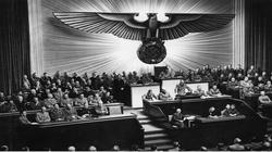 Antysemiccy Polacy ramię w ramię z Hitlerem – nowy wymiar propagandy niemieckiej już w polskich księgarniach - miniaturka