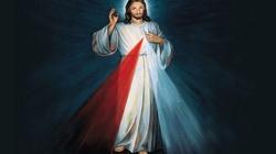 Jezus patrzy na poznańskim Starym Rynku na klientów pubów i klubów go-go! - miniaturka
