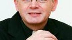 Ksiądz uwiedziony, czyli co zrobi arcybiskup Hoser z księdzem Lemańskim? - miniaturka