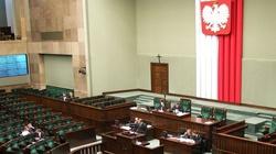Donald Tusk może spać spokojnie. Sejm odrzucił wniosek PiS o konstruktywne wotum nieufności - miniaturka