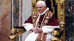 """Historia o """"mistycznym doświadczeniu"""" Benedykta XVI została zmyślona – mówi abp Georg Gänswein - miniaturka"""