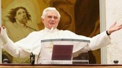 Benedykt XVI polemizuje z zatwardziałym i agresywnym ateistą - miniaturka