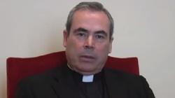 Katolicki biskup tłumaczy się z krytyki LGBT - miniaturka
