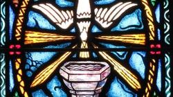 """Francja: W noc Zmartwychwstania 5 tys. chrztów, w większości """"spóźnionych"""" - miniaturka"""