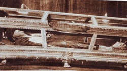Święty trup. Ciała świętych po śmierci - miniaturka