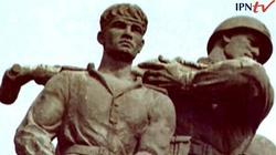 """Pomnik płk. Kuklińskiego w miejsce """"czterech śpiących"""" - miniaturka"""