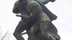 Artur Górski dla Fronda.pl o karach za niszczenie sowieckich pomników - miniaturka