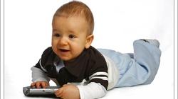 Ministerstwo Zdrowia wypowiada wojnę karmieniu dzieci butelkami  - miniaturka