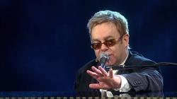 Elton John nazwał pracownicę obsługi Hitlerem - miniaturka