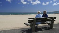 Kandydat Twojego Ruchu chce testować leki na emerytach! - miniaturka
