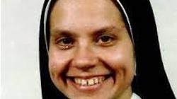 """""""Jestem szalona dla Jezusa"""". Zakonnica gwiazdą internetu? - miniaturka"""