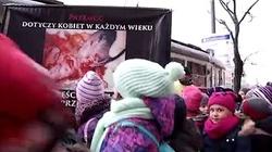 """Niesamowita reakcja dzieci na zdjęcia Fundacji PRO: """"Jezu, co oni zrobili!""""  - miniaturka"""