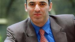 Kasparow: Putin jest jak rak. Trzeba go wyciąć - miniaturka