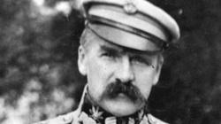 """Józef Piłsudski do klakierów Putina: """"Bierz dupę w troki i spier..."""" - miniaturka"""