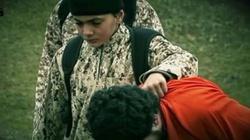 Chłopiec zniewolony przez ISIS morduje w imię Allaha - miniaturka