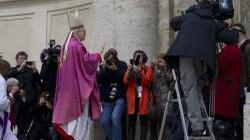 Ks. Cieślak z Radia Watykańskiego dla Fronda.pl: Bajki watykanistów - miniaturka