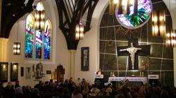 Księża katolicy są ostoją dla Polaków na emigracji - miniaturka