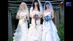 """Trzy kobiety wzięły """"ślub"""" i oczekują dziecka - miniaturka"""