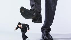 Rzekomy mobbing przykrywką dla większej afery? Były pracownik kontra Narodowy Bank Polski - miniaturka