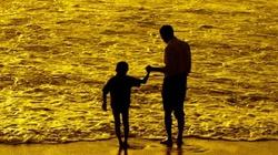 Z urlopu rodzicielskiego korzysta tylko 2 proc. ojców - miniaturka
