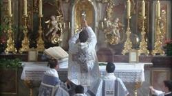 Bractwo św. Piusa X krytykuje papieża Franciszka i kanonizację Jana Pawła II - miniaturka