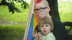 """Dzieci na spotkaniach z gejami? """"Kwestia wyboru rodziców... W Polsce brak dobrej polityki społecznej"""" - miniaturka"""