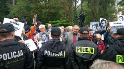 Zatrzymany za zakłócanie pogrzebu Jaruzelskiego: W Polsce nie ma wolności słowa - miniaturka
