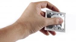Władze rozdają obywatelom miliony prezerwatyw - miniaturka