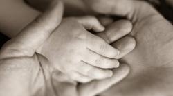 Zakaz aborcji = więcej żywych matek. Tak upadają aborcyjne mity! - miniaturka