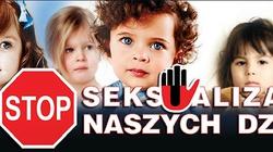 Grzegorz Strzemecki dla Fronda.pl: Rząd wreszcie reprezentuje interesy rodziców! - miniaturka