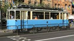 Remontują tory, z których wypadł tramwaj z Komorowskim - miniaturka