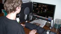 Polscy nastolatkowie coraz bardziej uzależnieni od internetu! - miniaturka