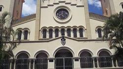 Wenezuela: ksiądz odmówił udzielenia Komunii św. osobie, która klęczała - miniaturka