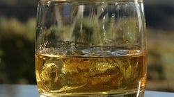 Rosjanie zakazują amerykańskiej whisky - miniaturka