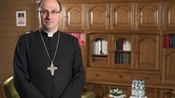 Dlaczego biskupi czasem nie trafiają do wiernych. Prymas Polski wyjaśnia! - miniaturka