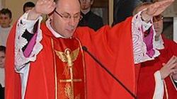 Biskupi zmieniają zasady postępowania wobec pedofilii - miniaturka