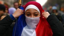 Z pozycji Koranu Francja to kraj bluźnierstwa - miniaturka