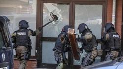 ZOBACZ niemiecki szturm na meczet w Hildesheim - miniaturka