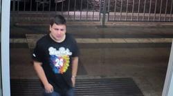 Policja szuka mężczyzny w koszulce z festiwalu Owsiaka. Zgwałcił kobietę. Rozpoznajesz go? Zgłoś! - miniaturka