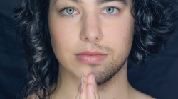 Transseksualizm promowany w katolickim tygodniku  - miniaturka