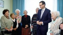 Premier wyjawia pierwszy filar planu Nowego Ładu: Troska o seniorów - miniaturka