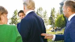 Tusk ,,strzela w plecy'' Trumpa i chwali się zdjęciem - miniaturka