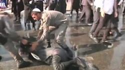 Brutalność izraelskiej policji. Ortodoksyjni Żydzi protestują przeciwko służbie w armii - miniaturka