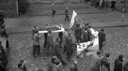 Kiszczak przyznał się w liście, że Gomułka wydał rozkaz strzelania do protestujących na wybrzeżu - miniaturka