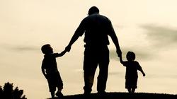 Czy ojciec jest już dzisiaj niepotrzebny? Wprost przeciwnie! - miniaturka