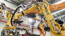 Ludzie lepsi od robotów. Adidas rezygnuje z eksperymentu - miniaturka