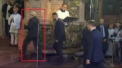 Szok! Lech Wałęsa uciekł z kościoła przed Andrzejem Dudą - miniaturka