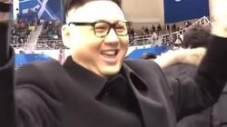 Kim Dzong Un wyprowadzony z obiektu? Incydent na igrzyskach - miniaturka